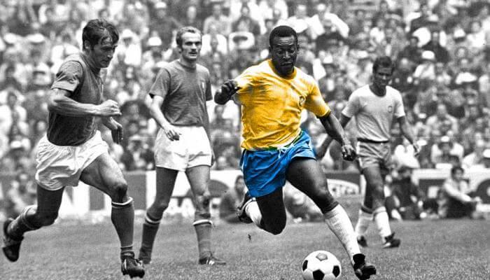 Pele - ông vua bóng đá với khởi đầu từ bóng đá phủi